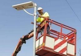 El Ayuntamiento de Adra instala nuestras farolas solares LED